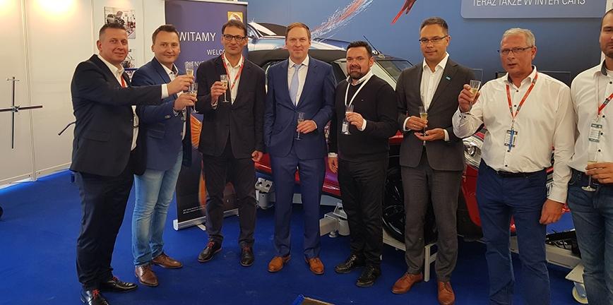 BASF w ofercie Inter Cars - umowa podpisana na targach