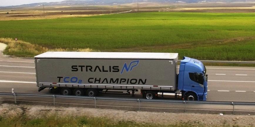 Testy ciężarówki zasilanej skroplonym gazem ziemnym (LNG)