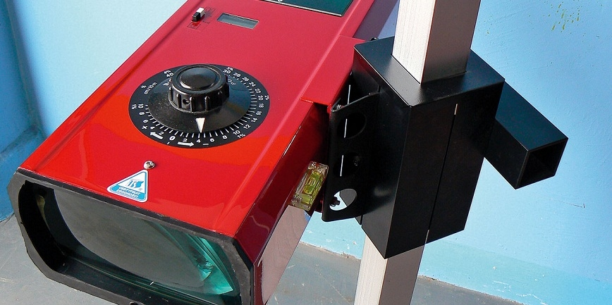 Kontrola świateł pojazdów samochodowych [PORADNIK]