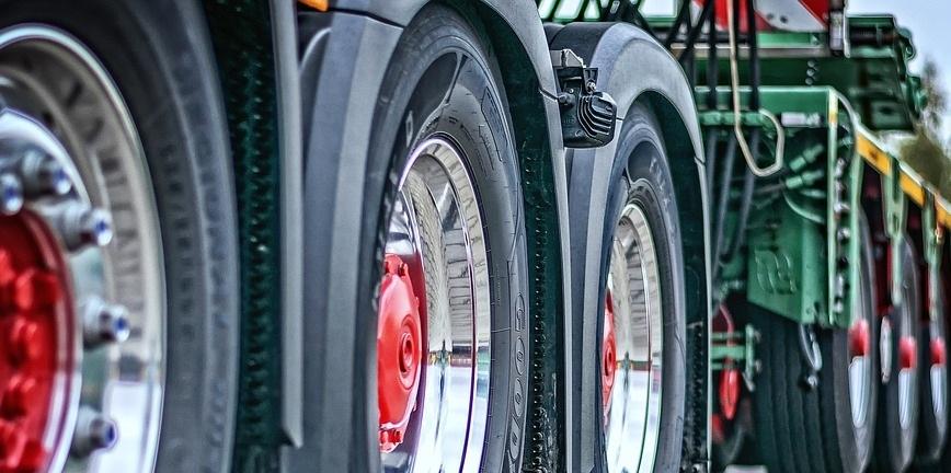 Transport ciężarowy – bezpieczeństwo i efektywność taboru
