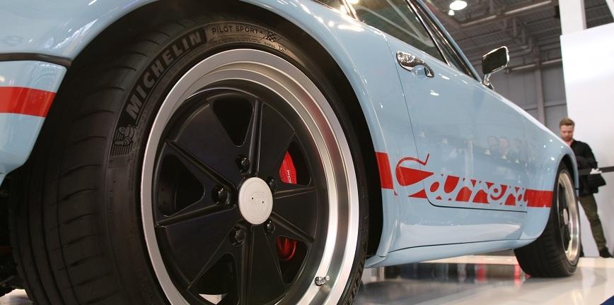 Hołowczyc, Porsche z 73 roku i Primacy 4 - Michelin na Poznań Motor Show [FILM]