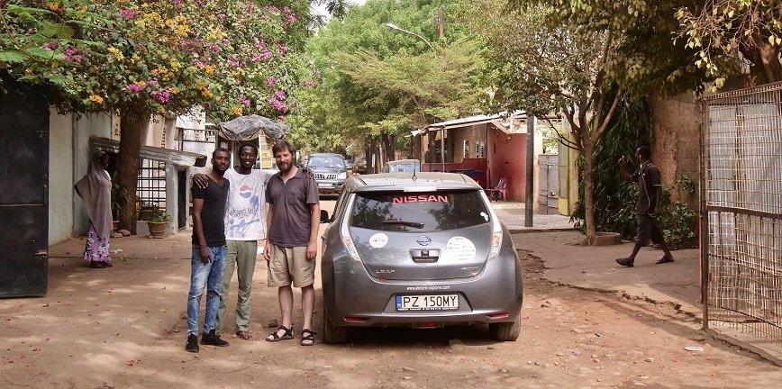 Arkady Fiedler dla warsztat.pl o podróży elektrykiem przez Afrykę [VIDEO]