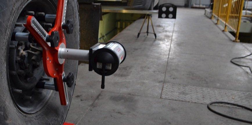 Szybki i dokładny pomiar geometrii w ciężarówkach?