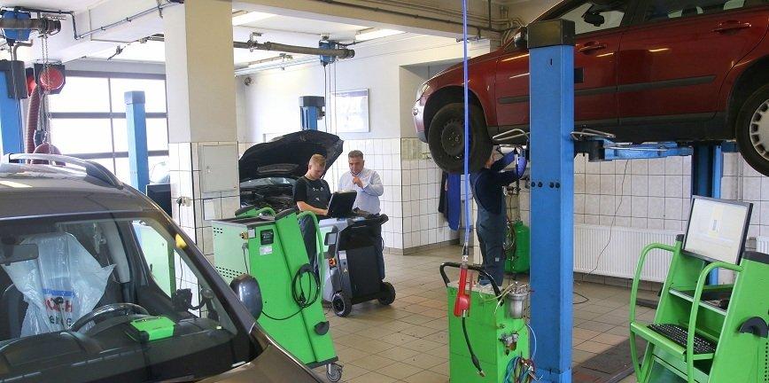 Z pomocą motywatora! Odwiedzamy Bosch Car Service Waras w Rumi [FILM]