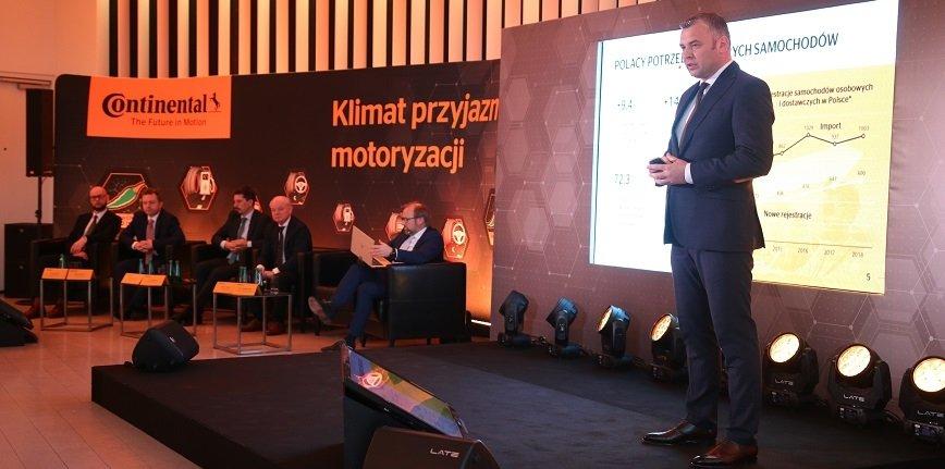 Wiosenna konferencja Continental w Warszawie. Na zdjęciu Dariusz Wójcik, dyrektor generalny Continental Opony Polska.