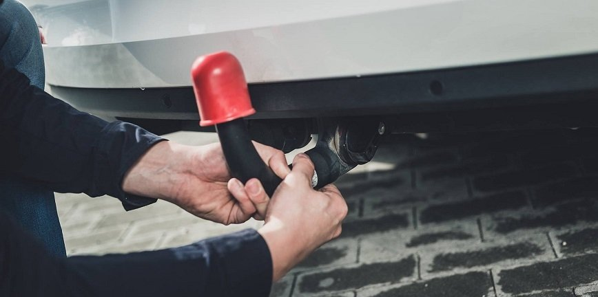 Montaż haka holowniczego a tylne czujniki parkowania