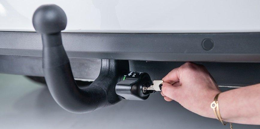 Zobacz innowacyjny mechanizm automatycznego wypinania kuli haka holowniczego