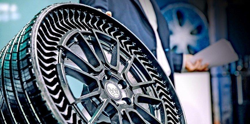 Prototypowa opona (z funkcją koła) od Michelin.