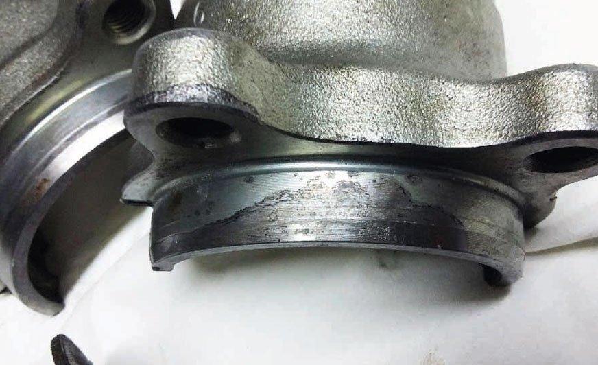 Honda – problemy z uszczelnieniem tylnego łożyska