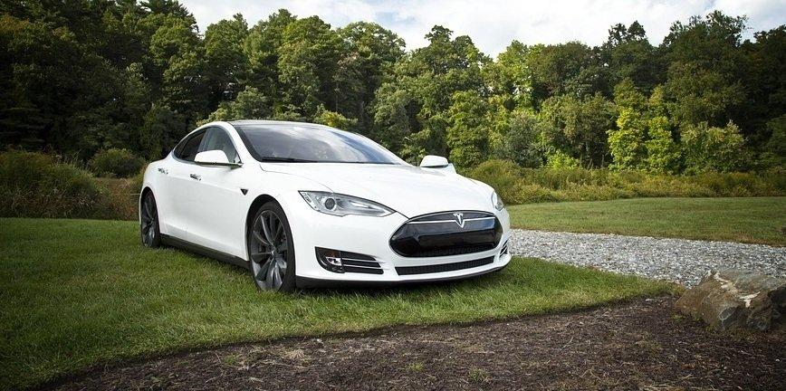 Tanieją baterie do elektryków! Czy to zmieni liczbę tych aut na drogach?