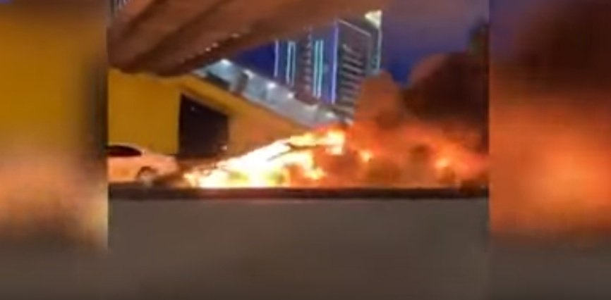 Dwa wybuchy Tesli po niegroźnej kolizji