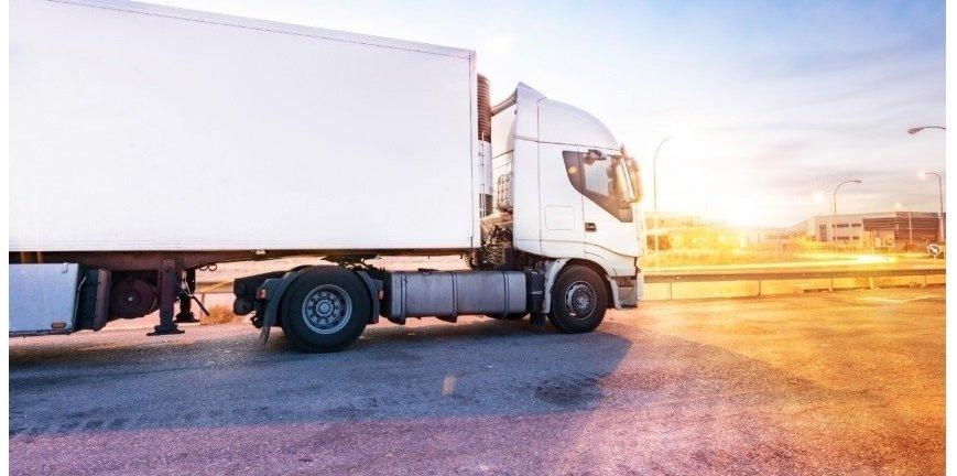 Transport: ile firma może zaoszczędzić dzięki oponom?