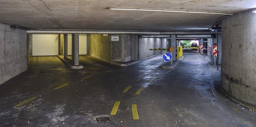 Polskie parkingi i tunele nieprzygotowane na ... elektryki