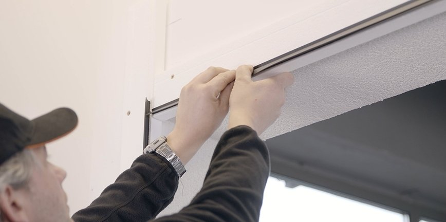 Nowość: KRISPOL stawia na ciepły montaż bram garażowych