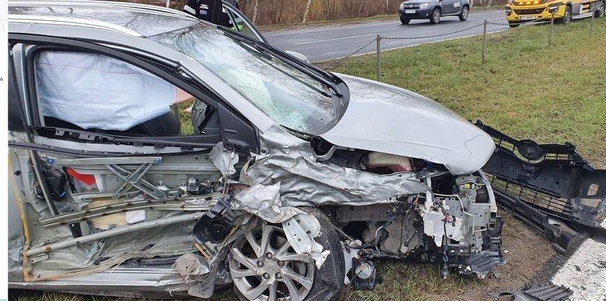 Poznań: mechanik rozbił Infiniti klienta. Miał tylko wymienić olej