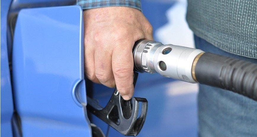Ceny paliw na stacjach Orlenu nadal będą spadać - mówi szef koncernu