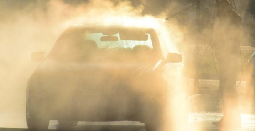 Mandaty za myjnię samochodową? Producent zabiera głos