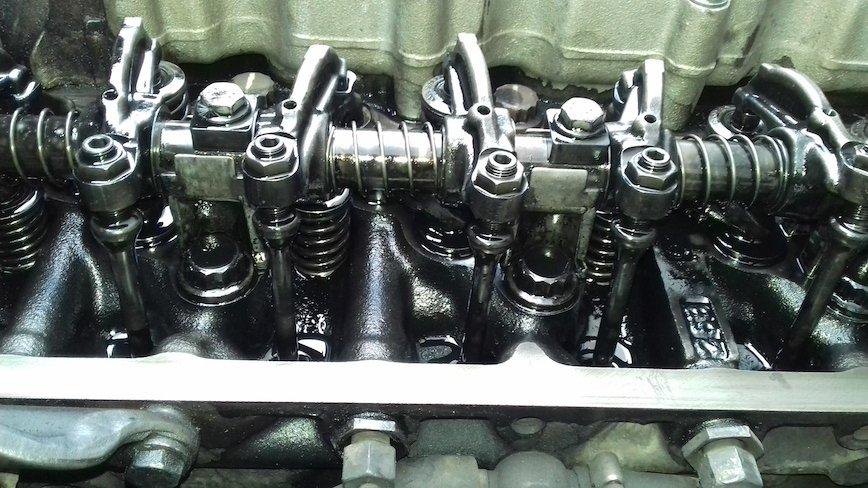 334 tysiące kilometrów bez całkowitej wymiany oleju. Jak wygląda silnik?