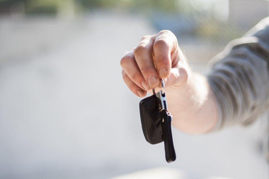 Kredyt na zakup używanego samochodu – czy są ograniczenia?