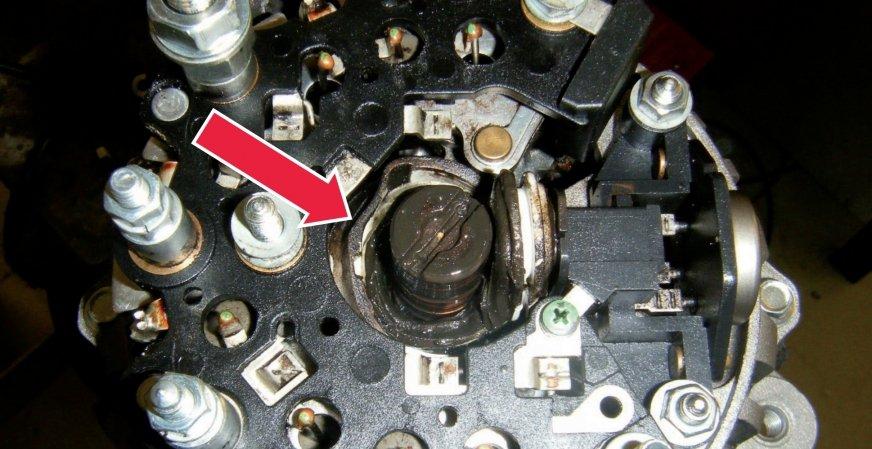 Awaria alternatora w wyniku dostania się oleju