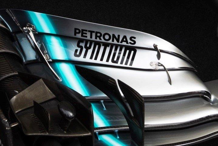 Nowy bolid zespołu Mercedes AMG Petronas. Jaki olej będzie tam pracował?