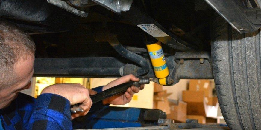 Modyfikacja zawieszenia w Fordzie Transit na bazie zestawu BILSTEIN B14. Zobacz FILM
