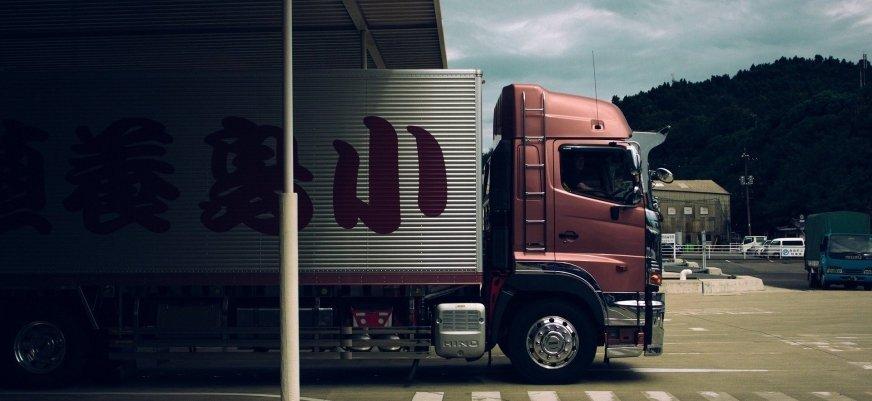 Olej w silniku ciężarówki a jego żywotność
