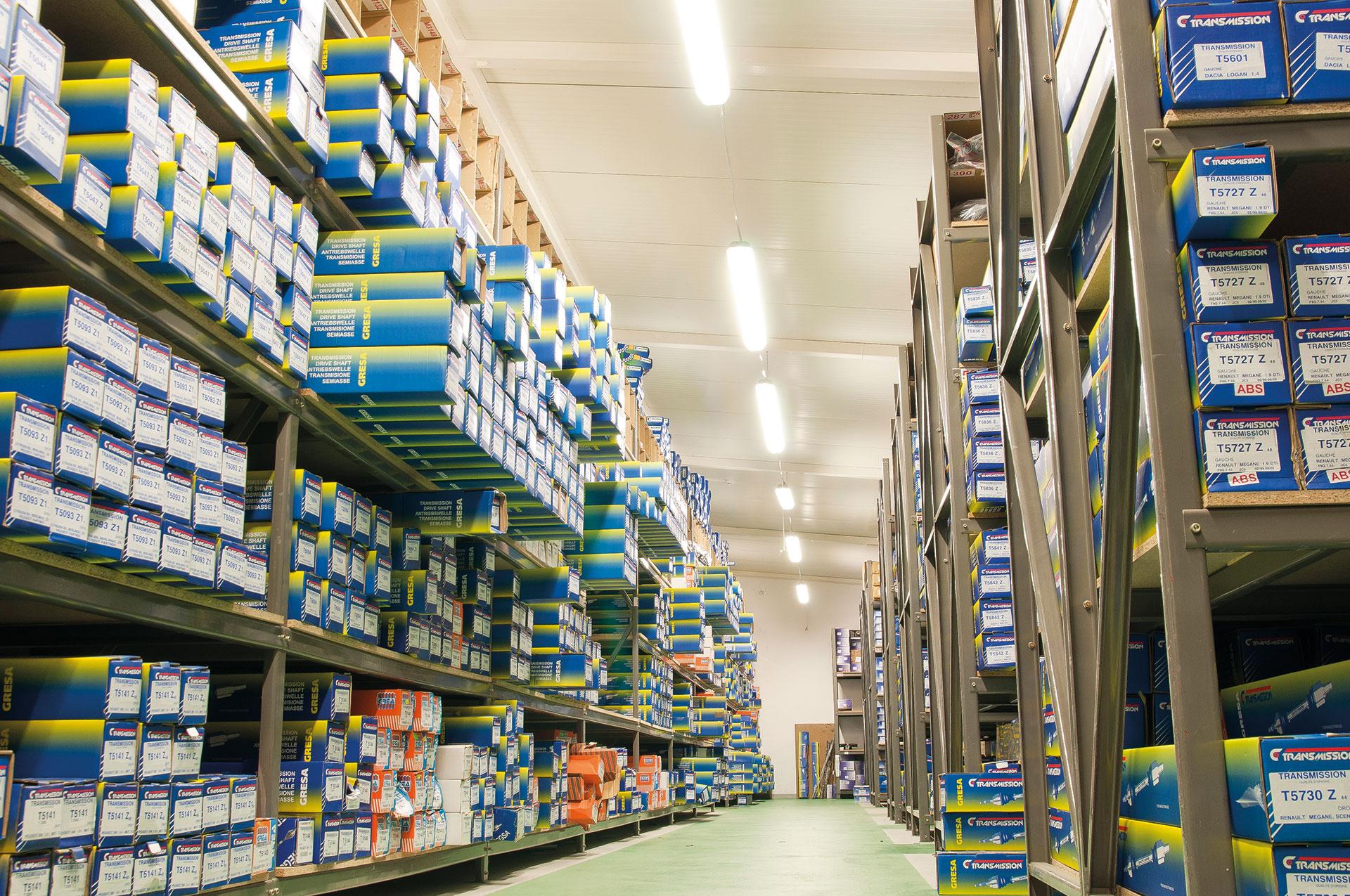 Firma szczyci się dużą dostępnością oferowanych części i szybką dostawą
